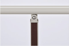 笠木=シャイングレー、角柱=シャイングレー+クリエダーク