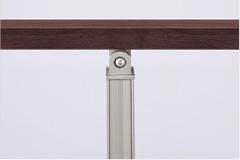 笠木=クリエダーク、角柱=シャイングレー