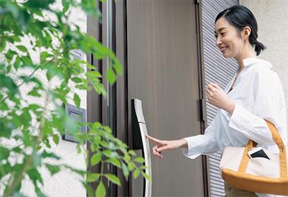 IoT対応玄関ドア LIXIL
