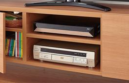 DVDプレーヤーがすっきり収まるベースキャビネット。