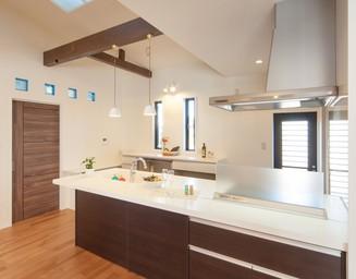 使いやすい広いキッチン。の写真