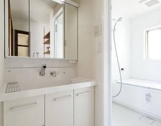 白い洗面室。の写真