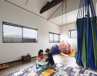 2部屋を合わせた広いプレイルーム。の写真