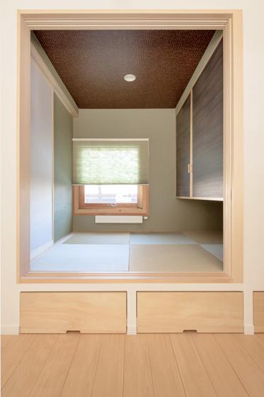 小上がりの和室の使い方。の写真