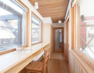 渡り廊下の書斎。の写真