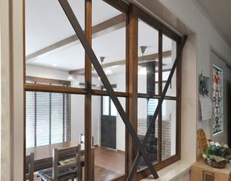 部屋の中のガラス窓。の写真