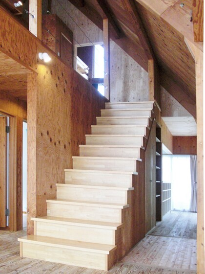 階段にも木のぬくもりを。の写真