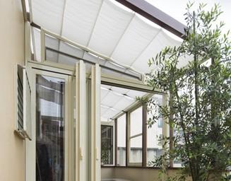 庭の多目的ルームは子供部屋やご主人の趣味ルームに。の写真