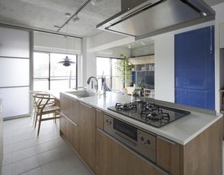 開放的なキッチンに流れているのは、快適感です。の写真