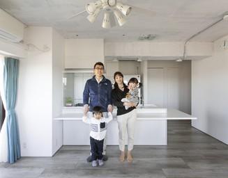 機能美に徹したLDKは、ご家族の生活の中心に。の写真
