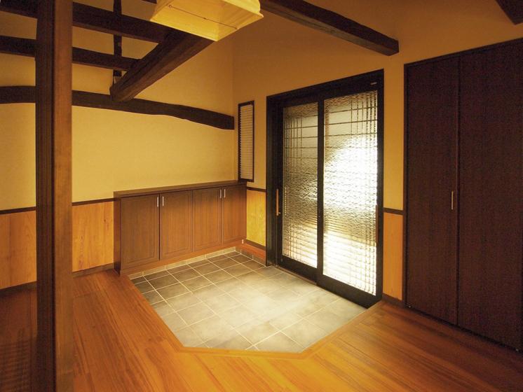 新しい玄関です。の写真