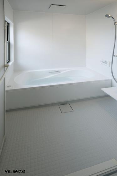 清潔で透明感のある「白」の空間。の写真
