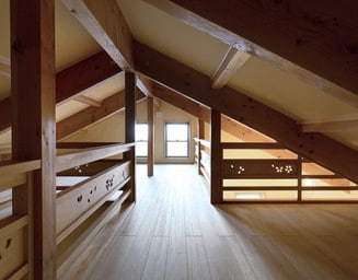 天井裏の多目的空間。の写真