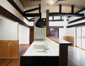 和モダンなキッチン。の写真