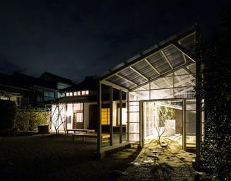 夜のレモン小屋。の写真