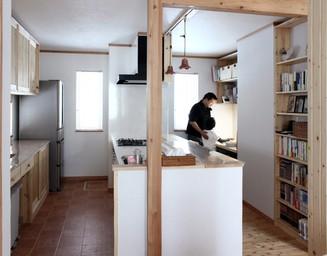 キッチンと勉強スペースが一体化しました。の写真