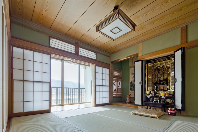 仏間や床の間を、別の和室から移築。家の歴史を刻みます。の写真
