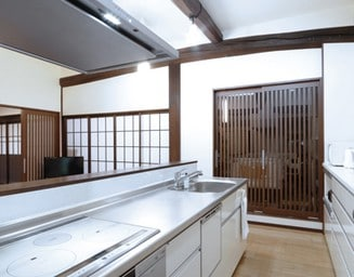 収納が増えた事でキッチンはいつもすっきりしています。の写真