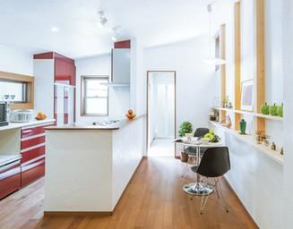 食べ物の色を美しく見せてくれるキッチンカラーです。の写真