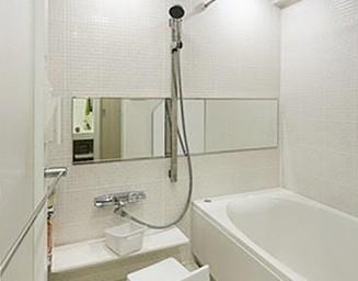 タイルの浴室。の写真