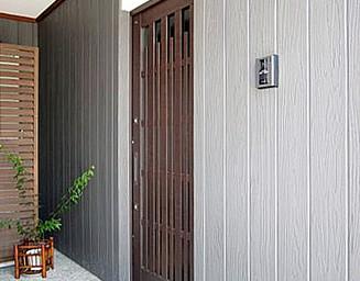 引戸の玄関です。の写真
