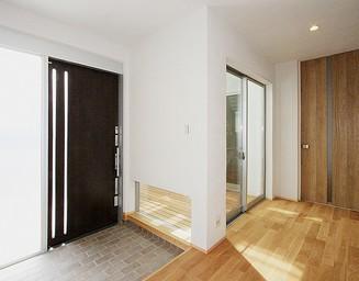 広々とした玄関。の写真