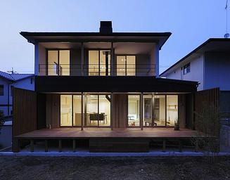良い家は夜も美しい。の写真